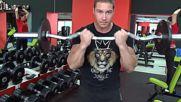 Фитнес упражнения - Сгъване с крив лост - тясно