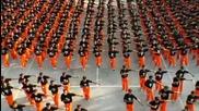 Затворници танцуват на Michael Jackson s This Is It