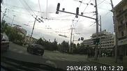 Бял бус нарушава грубо Закона за движение по пътищата