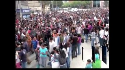 Почти 30 хиляди зомбита превзеха Мексико сити
