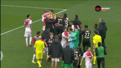 Сблъсъци на терена след мача Монако - Ница