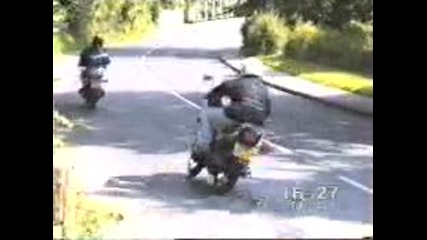 Funny - Idiot On A Moped