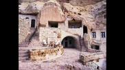 Страхотното Скално Село В Иран - Кандован