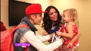 Колко е мил с малките деца само.. ;3
