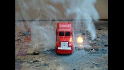 Камионче на Кока кола - барутно запалване