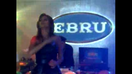 Преслава пее на турски във Берлин