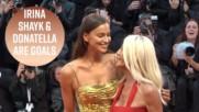 Ирина Шейк е на червения килим във Венеция с Донатела Версаче