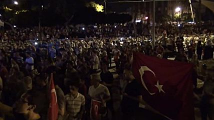Turkey: Thousands take to Antalya streets after failed coup attempt