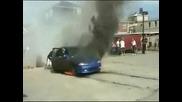 Това се казва да си запалиш гумите на Civic -
