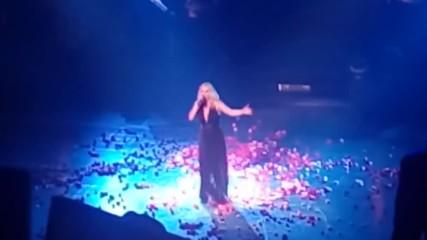 Не ме докосвай! • Премиера 2017 Peggy Zina - Mi m akoumpas (на живо)