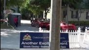 Две развихрящи ферарита шават по улиците