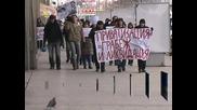 """Около 30 души излязоха на протест срещу приватизацията на """"БДЖ-Товарни превози"""""""