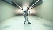 Корейка танцува страхотно на Български дъбстеп