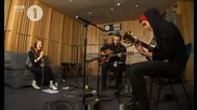 Paramore - Use Somebody (live Acoustic)
