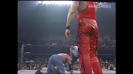 Даймънд Далас Пейдж срещу Кевин Неш - ( Холивудския Хоган край ринга като придружител на Кевин Неш )