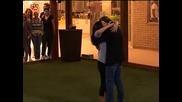 Мариана в прегръдките на Ханес