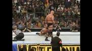 Скалата срещу Стив Остин - Кечмания 17 (2001)