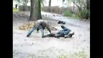 Пияни не могат да се изправят