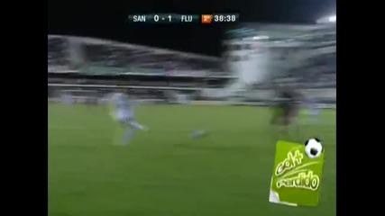 Робиньо пропуска от гол линията.