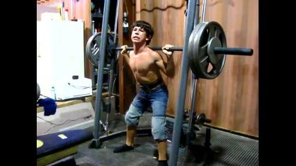 13г.дете вдига 140 кг ! ! !
