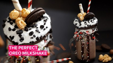 Craving something sweet? Try making this yummy Oreo milkshake!
