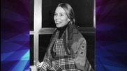 Joni Mitchell Rushed to the Hospital
