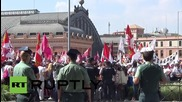 Spain: Angry dairy farmers protest low milk prices