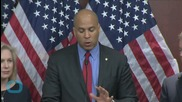 Cory Booker Knows How to Handle Twitter Trolls