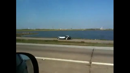 Bugatti Veyron - полет в езеро