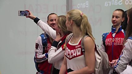 Brazil: Russian athletes arriving for Rio Olympics receive warm welcome