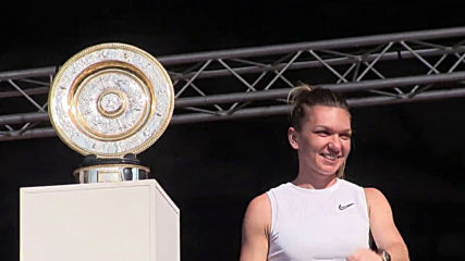 Romania: Wimbledon champ Simona Halep given hero's welcome in Constanta