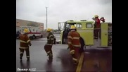 Танцът на пожарникарите !