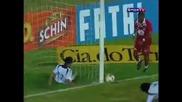 Футболист чупи черепа на съотборника си при опит да изчисти топката