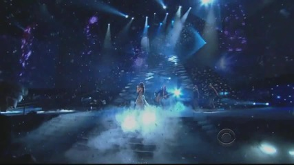 Selena Gomez - A Year Without Rain (live People Choice Awards 2011)