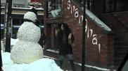 Снежко плаши хората..