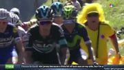 Колоездач наказа досаден фен на обиколката Тур де Франс 2016