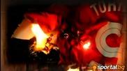 Фенове горят фланелки на Торес, след неговият трансфер в Челси