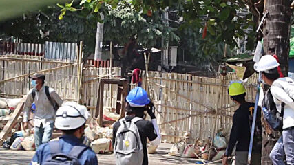 Myanmar: Protesters erect barricades, shield wall on streets of Yangon
