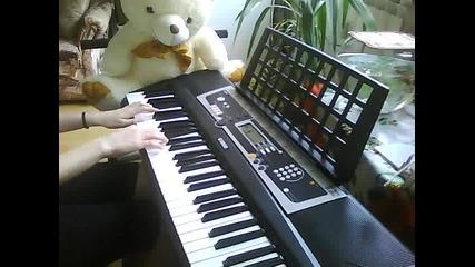 Rihanna-unfaithful on piano