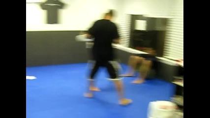 Част от тренировката по джиу - джиуцу във Flow Jj.