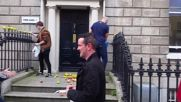 Ireland: Activists dump apples outside Fine Gael HQ in Apple tax protest