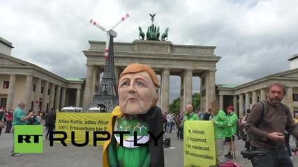 Germany: 'Merkel' hopes big money won't trump climate deal
