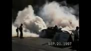 Кола с 700к.с. пали гумите