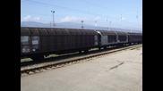 43 515 с товарен влак на гара Септември