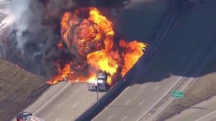 Цистерна с бензин се взривява на магистрала