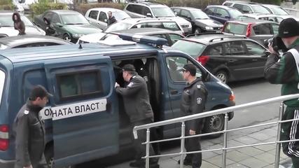 Малката Рижа Нанесе удар върху репортер - Бургаско