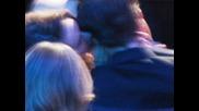 Кристен целува ухото на Роб на наградите!!!