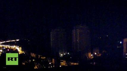 Украйна: Светлини от експлозии осветиха небето в Донецк