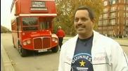 Мъж тегли автобус с ухото си - Световен Рекорд на Гинес
