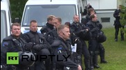 Germany: Hundreds protect refugees against far-right protesters near Dresden